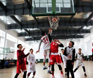焦作市迎新春篮球比赛在焦作市体育馆开幕