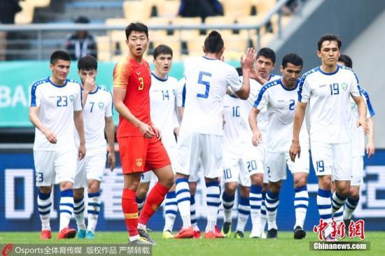 上任国足主帅一职的十天时间,卡纳瓦罗已经苦吞两连败。 图片来源:Osports全体育图片社