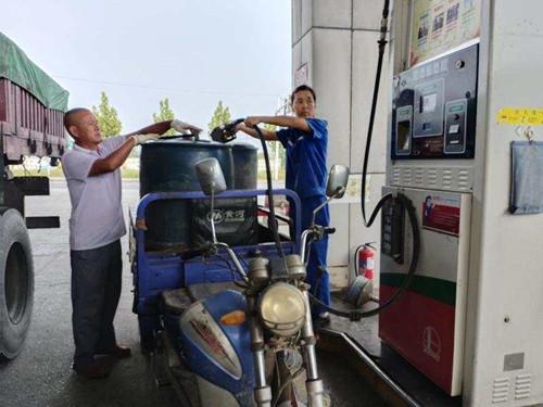 中石化驻马店分公司:保障秋收油品供应,助农惠农促攻坚