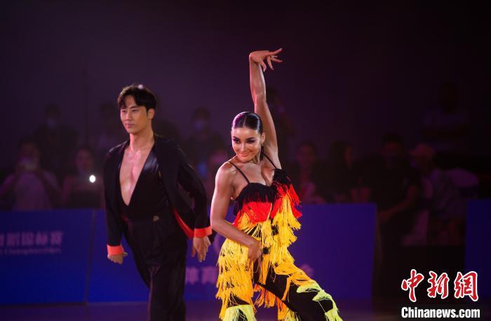 第18届全国青少年体育舞蹈锦标赛成都开赛
